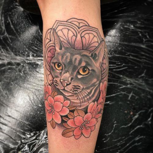 Sweet Kitty by Vale Lovette #ValeLovette #color #neotraditional #cat #kitty #petportrait #flowers #leaves #nature #animal #cute #pattern #mandala #linework