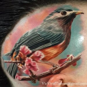 This robin by Vic Vivid (IG—vicvivid) will likely get the worm. #color #realism #robin #songbirds #VicVivid
