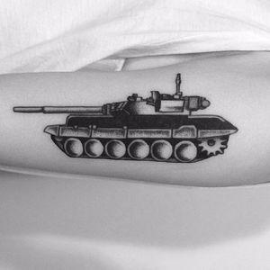 Military tank blackwork by Yizhen Chen Layla #tank #blackwork #army #yizhenchenlayla