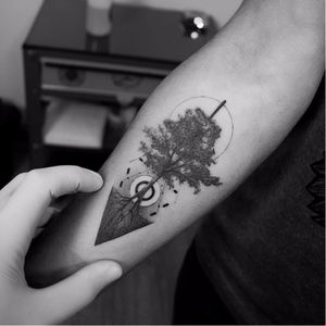 Tree of life by Filipe Pacheco #FelipePacheco #tree #roots #blackandgrey #blackwork #geometric #nature #circle #sun #moon #minimal #tattoooftheday