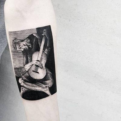 The Old Guitarist painting by Picasso. Tattoo by Matteo Nangeroni #MatteoNangeroni #finearttattoos #illustrative #painting #Picasso #TheOldGuitarist #guitar #man #musictattoo