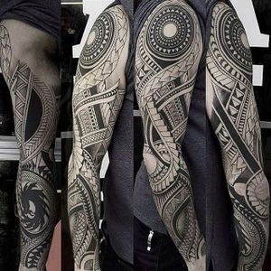 Polynesian sleeve by John Lloyd (via IG -- aontattoo) #johnlloyd #polynesian #polynesiantattoo