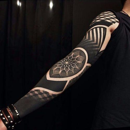 Pattern Tattoo by Ervand Akopov #pattern #patternwork #blackwork #blackworkpattern #blackpattern #blackink #blackworktattoo #mandala #ErvandAkopov