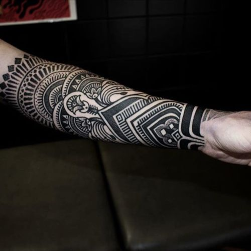 A forearm geometric piece. (via IG - alexiscalvie) #dotwork #geometric #sleeve #largescale #alexiscalvie