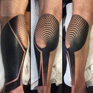 Blackwork tattoo by Joz #Joz #MarkJoslin #blackwork #geometric (Photo: Instagram @joz100)