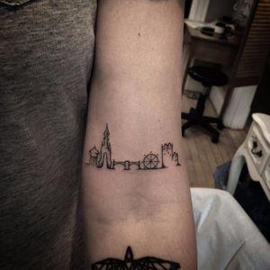 England skyline tattoo, artist unknown. #skyscraper #landmark #skyline #silhouette #minimalist #subtle #simple #outline #microtattoo #london
