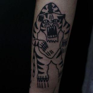 Furious Tiger Tattoo by Jack Watts @Tattoosforyourenemies #Tattoosforyourenemies #sangbleu #london #black #blackwork #traditional #Tiger