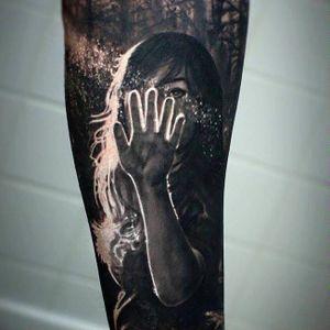 Photo-Realistic Tattoo By Iwan Yug #blackandgreytattoo #IwanYug #photorealistictattoos #realistictattoos #3Dtattoos