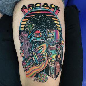 #Raro #gringo #colorido #colorful #neon #fun #divertida #psychedelic #psicodelica #surrealism #surrealism #arcade #game #jogo #fliperama #nerd #geek #mariobros #mao #hand #DonkeyKong #mariokart #panteracorderosa #pinkpanther