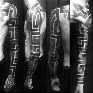 Blackwork tattoo by Krusty Cola #KrustyCola #graphic #blackwork #geometric #blckwrk #geometry