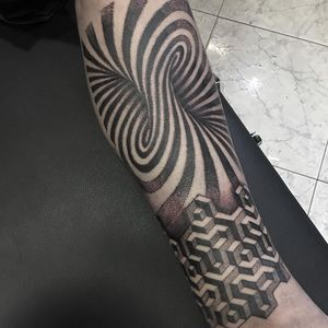 Optical illusion tattoo by Edgar Licona #EdgarLicona #surrealisttattoo #blackandgrey #opticalillusion #sacredgeometry #fractal #dotwork #linework #shapes #geometric