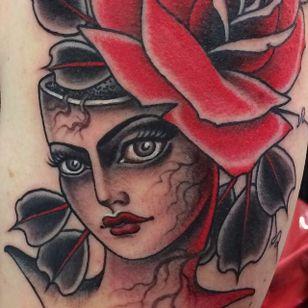 Eerie lady by @chelsearhea #ChelseaRhea #ladyhead #traditional