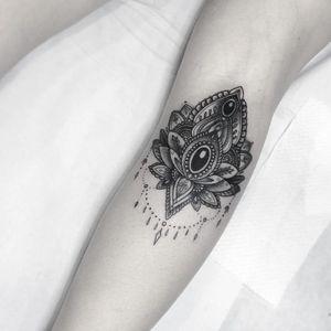 Ornamental jewel tattoo by Flo Nuttall #FloNuttall #jeweltattoos #blackandgrey #ornamental #gem #jewel #jewelry #filigree #lace #opal #floral #teardrop #diamond #pattern #tattoooftheday