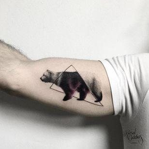 Bear galaxy tattoo by Resul Odabaș. #ResulOdabas #galaxy #pointillism #dotwork #cosmic #cosmos #animal #bear