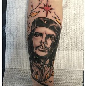 The face of anarchy tattoo by Sulhong #CheGuevara #Anarchist #portrait #portraittattoo #realistic #Sulhong