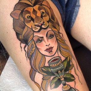 Cersei Lannister #DawniiFantana #GameofThrones #GoT #gottattoo #tvshow #serie #nerd #geek #cerseilannister #woman #mulher #goblet #calice #vinho #wine #leao #lion #lannister
