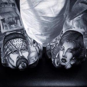 A fabulous Chicano couple on hands by Chuco Moreno (IG—chucomoreno95237). #blackandgrey #Chicano #ChucoMoreno #finelined #ladyhead #oldschool #soft #vato