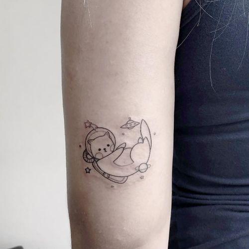 #AmandaSantana #brasil #brazil #brazilianartist #TatuadorasDoBrasil #fineline #delicate #delicado #blackwork #gato #cat #catlover #pet #petlover #astronauta #astronaut #discovoador #ovni #et #alien #estrela #star #planet #planeta
