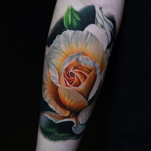 Realistic rose tattoo by Phil Garcia #PhilGarcia #flowertattoos #realism #realistic #hyperrealism #rose #flowers #floral #nature #photorealism #plant #tattoooftheday