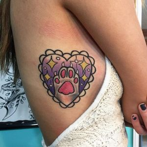 Cat paw tattoo by Melvin Arizmendi. #MelvinArizmendi #kawaii #cute #girly #popculture #pinkwork #cat #heart #catlady #catlover #pet