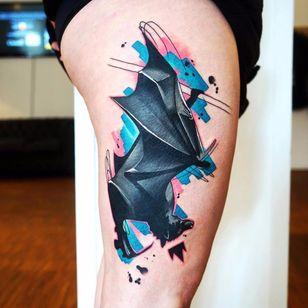 Por Dynoz #DynozArtAttack #gringo #abstract #abstract #colorido #colorful #aquarela #watercolor #bat #morcego #coroa #crowl #colagem #collage