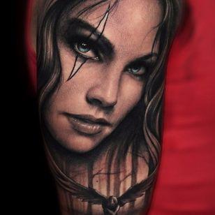 Side eye. (via IG - riccardo_cassese_tattoo) #BlackAndGrey #Portrait #Portraiture #RiccardoCassese
