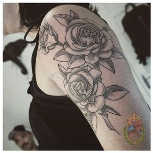 Floral cheio de personalidade #ApolonioLuz #tatuadoresbrasileiros #tatuadoresdobrasil #sketchtattoo #blackwork