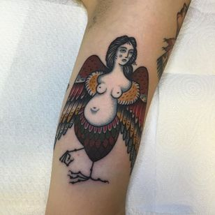 Harpy Tattoo by Alfredo Guarracino #Harpy #Harpies #HarpyTattoo #MythologyTattoos #GreekTattoos #MythTattoos #Traditional #AlfedoGuarracino
