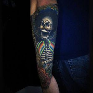 This skeleton is up to no good. Via Instagram jamie_schene #dayofthedead #jamieschene #diadelosmuertos #sugarskull #halloween #skull #skeleton #mexico