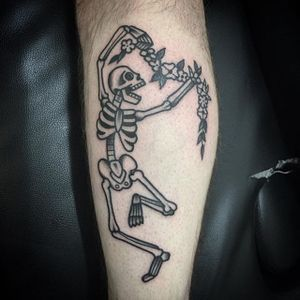 A frolicking skeleton, by Philippe Fernandez (via IG—philippefernandez) #traditional #blackwork #black #philippefernandez