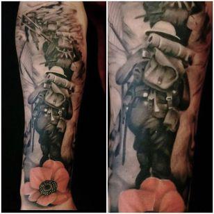Superb tattoo by Lee Compton #LeeCompton #WWI #WWII #soldier #war #heroe #centenary #worldwar