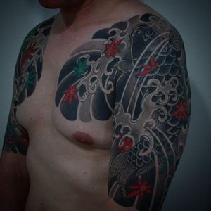 Koi Tattoo by Gotch #japanese #japanesetattoo #japanesetattoos #bestjapanesetattoos #classicjapanese #koi #japanesekoi #japaneseartists #Gotch #GotchTattoos