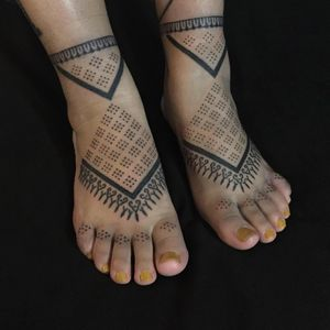 Tribal tattoos by Jenna Bouma #JennaBouma #tribaltattoos #stickandpoke #nonelectrictattoo #snp #blackwork #linework #geometric #pattern #shapes #dotwork #tribal #primitive #tattoooftheday