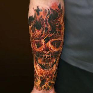 Flaming skull via @yan_vilks #YanVilks #realism #realistic #skull #flames