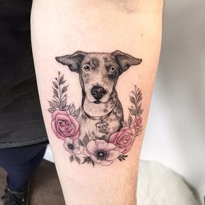 #SindyBrito #tatuadorasdobrasil #blackwork #delicadas #fineline #traçofino #cute #cachorro #dog #flores #flowers #retrato #portrait