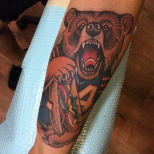 Da Bearssss. (Via IG - nick_sarich_tattooer)