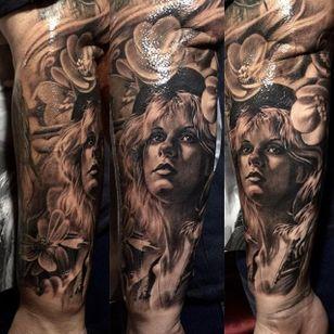 Black and grey Stevie Nicks portrait tattoo by Teneile Napoli. #portrait #realism #blackandgrey #flowers #StevieNicks #TeneileNapoli