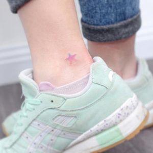 Pink tattoo by Mini Lau. #MiniLau #star #gradient #pink #pinkink #aesthetic #microtattoo #minimalist #subtle