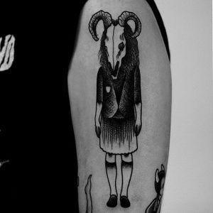 Krampus by Happypets (via IG-happypetsink) #blackink #illustrative #traditional #macabre #sinister #dark #happypetsink