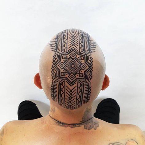 Ouch! Deve ter doído, mas ficou incrível! #BrianGomes #TatuadoresdoBrasil #Brasil #Brazil #tribalbrasileiro #geometria #arteindígena