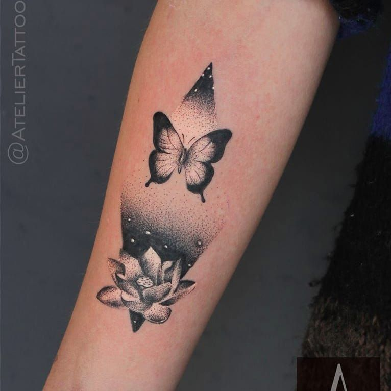 Tattoo por Marcelo Ret! #MarceloRet #TatuadoresBrasileiros #TatuadoresdoBrasil #TattooBr #TattoodoBr #borboleta #butterlfy #flordelotus #lotusflower #pontilhismo #dotwork