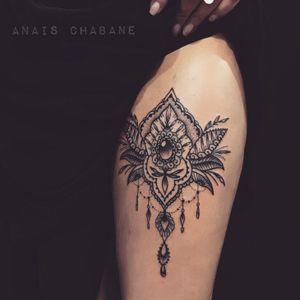 Mehndi inspired tattoo by Anais Chabane #AnaisChabane #ornamental #mehndi #mehndiinspired #jewel
