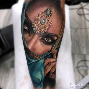 Covering up. (via IG - boloarttattoo) #realism #portrait #ladyhead #bolo