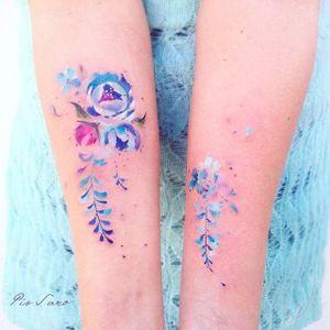 Arm tattoo by Pis Saro. #PisSaro #floral #placement #flower #ladies #women #ideas #gorgeous