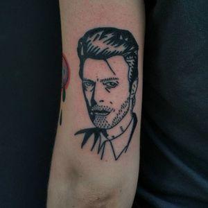 Bowie blackwork hand poke portrait tattoo by Maks Mariańczuk. #MaksMarianczuk #BlameMax #handpoke #blackwork #sticknpoke #portrait #popculture #icon #davidbowie #bowie