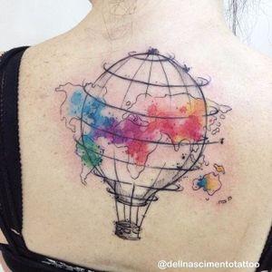 Para as alturas com esse balão colorido #DellNascimento #balão #aquarela #watercolor #balloon #colorida #colorful #mapamundi #map #TatuadoresDoBrasil