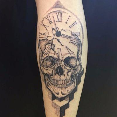 #RaphaelMoreira #Lek #tatuadoresdobrasil #relogio #clock #caveira #skull #pontilhismo #dotwork