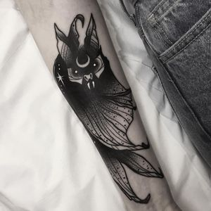 Cute bb bat tattoo by Matt Chaos #MattChaos #blackworktattoo #blackwork #bat #stars #moon #darkart #animal