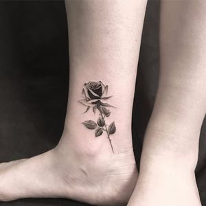 Soft rose by The Hanged #TheHanged #blackandgrey #oldschool #rose #realism #realistic #flower #leaves #thorns #nature #tattoooftheday