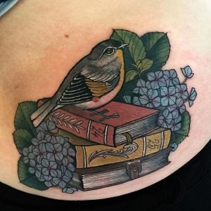 Bird and Books Tattoo by Hannah Flowers #neotraditional #neotraditionaltattoo #neotraditionaltattoos #neotraditionalartist #HannahFlowers